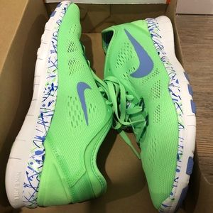 Brand New women's Nike Free Run 5.0